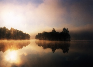 Early_Morning_Lake_Viared
